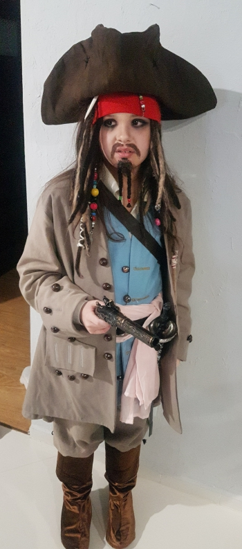 """I miejsce w kat. 4-8 - Zofia Ćwieluch  (4 A) – praca pt. """"Kapitan Jack Sparrow"""""""