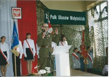 Wystąpienie rotmistrza Włodzimierza Bernarda podczas uroczystości nadania imienia SP 204