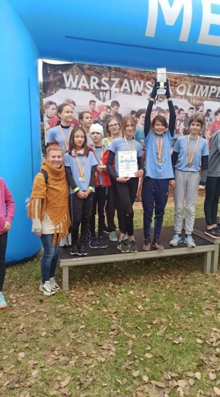 Wicemistrzostwo Warszawy w Sztafetowych Biegach Przełajowych w kategorii dziewcząt młodszych - LV Warszawska Olimpiada Młodzieży