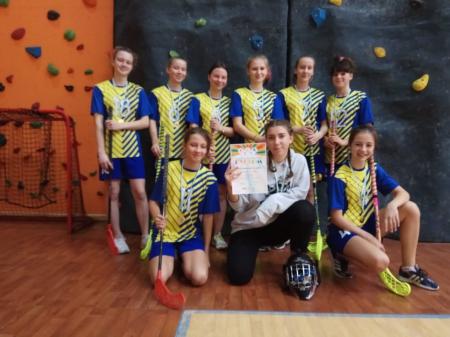 Mistrzostwa Warszawy w Unihokeju w kategorii młodzież - dziewczęta (2005-2006
